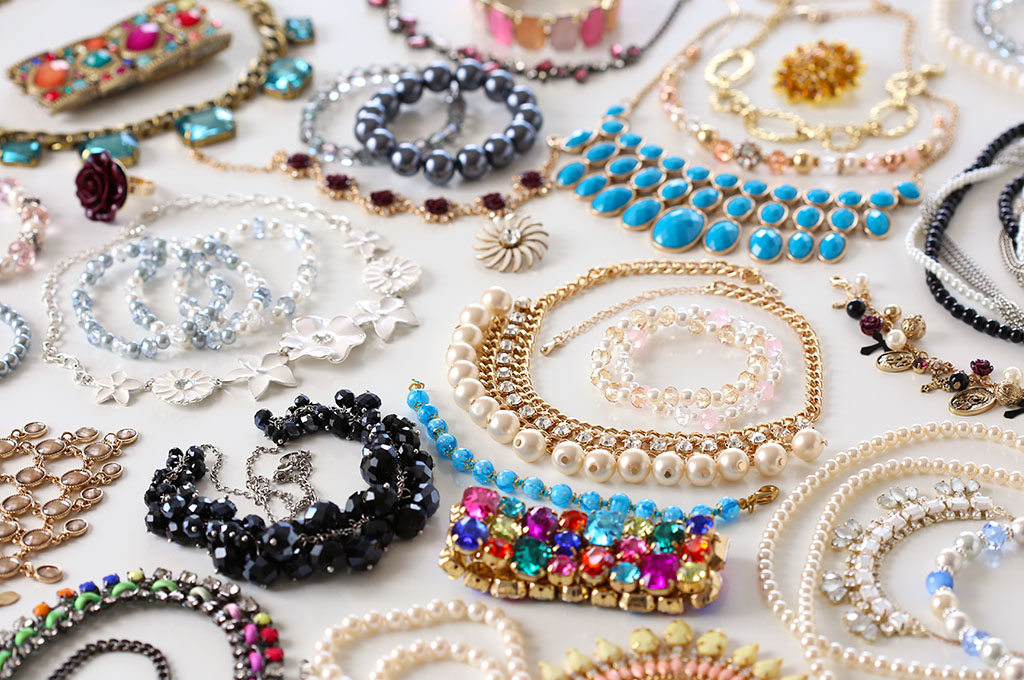 the custom jewelry market